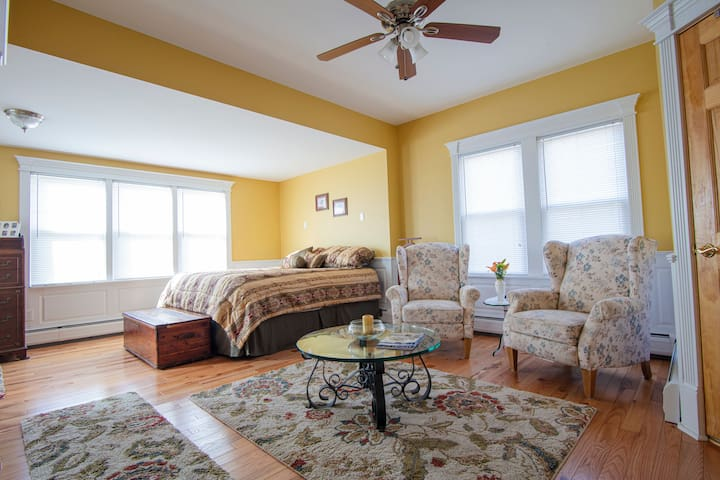 1st Floor Master Bedroom with sitting area