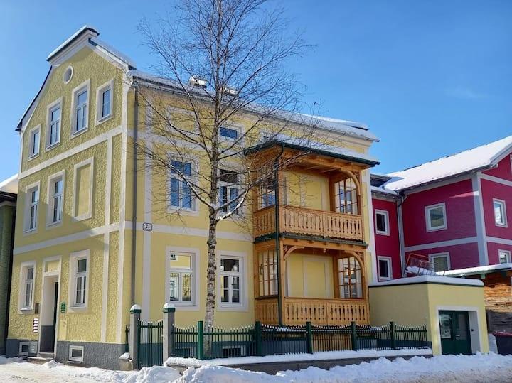 Zentrale historische Villa, fußläufig - Adele