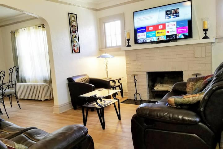*2br Apt near Great Lakes Naval Base & 6 Flags*