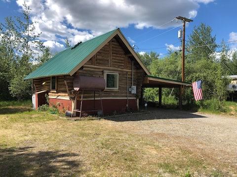 Loft Cabin & Bunkhouse Near Denali & Fairbanks
