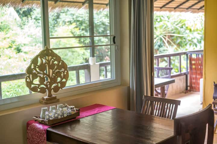 Comfortable Island Suite with sea-view and balcony