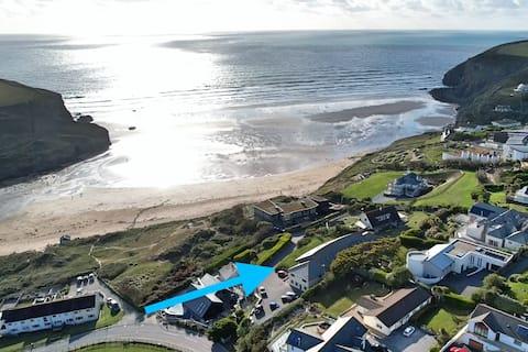 Breathtaking Sea Views, Two minutes walk to Beach