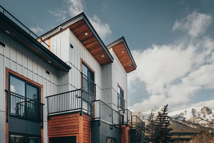 Basecamp Suites Canmore | Two Bedroom Apartment