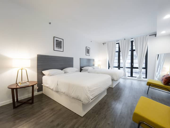 138 Bowery, Grand Double Room