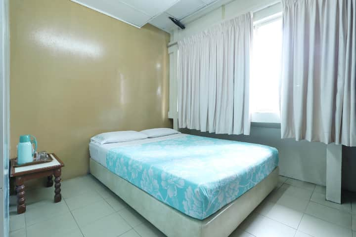 Clean Double Room at Hotel Petaling