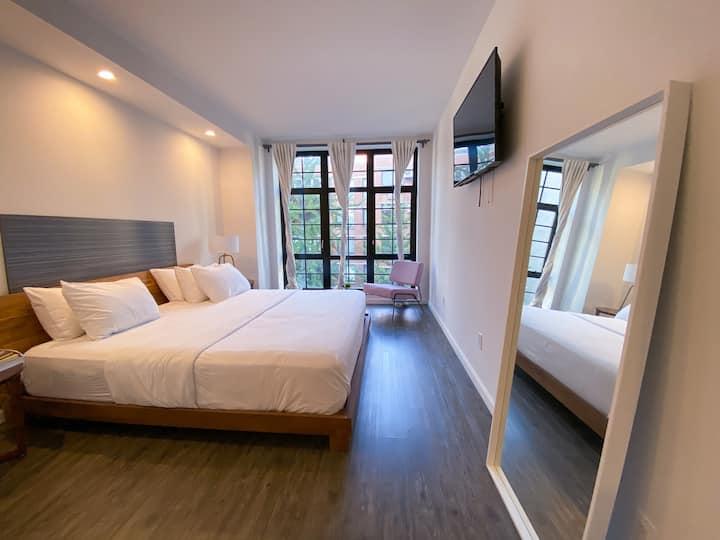 138 Bowery, Grand King Room