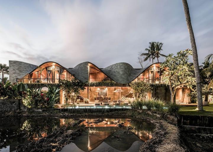 ALPHA HOUSE– Design villa w full concierge service