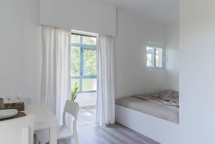 Minimal studio in the heart of Athens Riviera