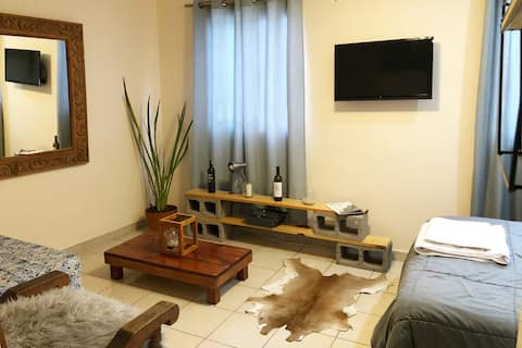 Cozy & Lovely Studio! Near the Main Plaza & WiFi!