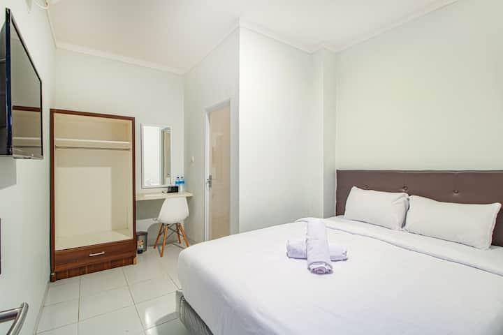 Charming Room at De 80's Pondok Labu