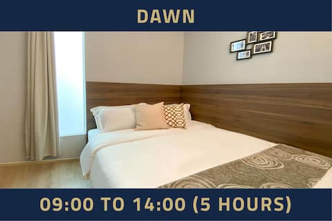Double Room, 5 Hours: 9AM-2PM same day in Bugis