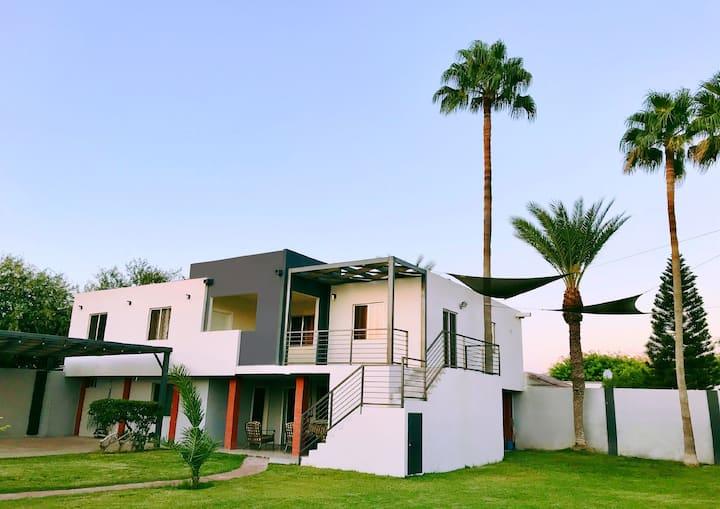 Spacious Luxury 3 BR Suite Near Beach - 5Min Drive