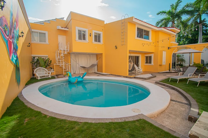 *CASA DORADA walk to beach and enjoy private pool!
