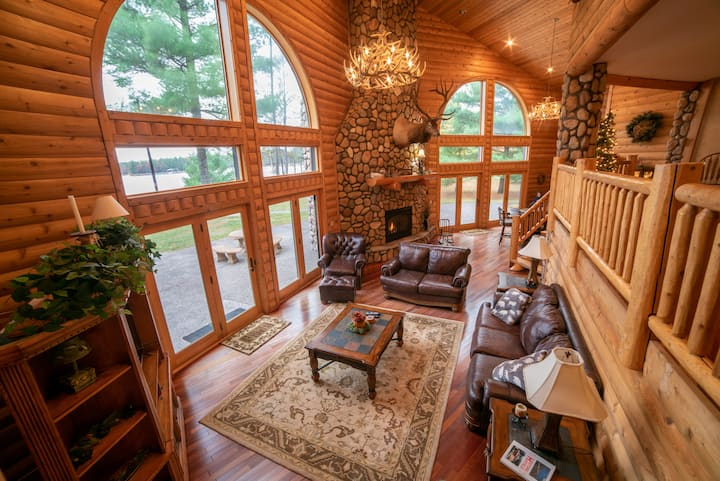 NEW!  Luxury 5 bedroom Lake House with large yard.