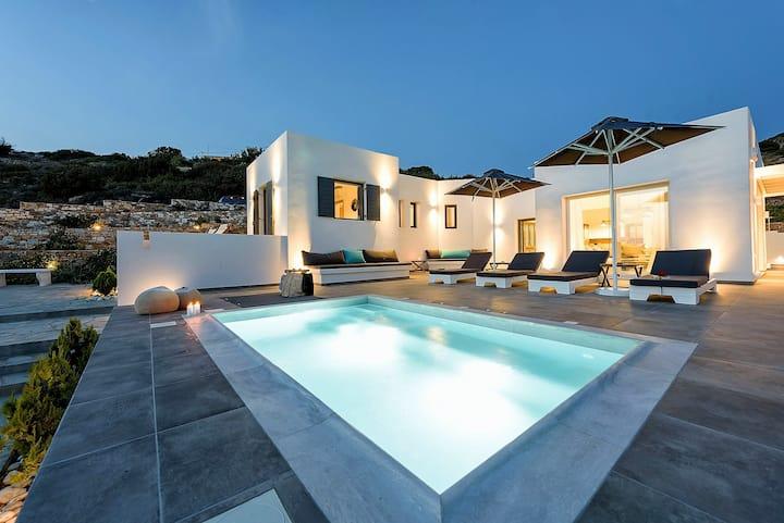 New Luxury Villa with breathtaking view in Aliki