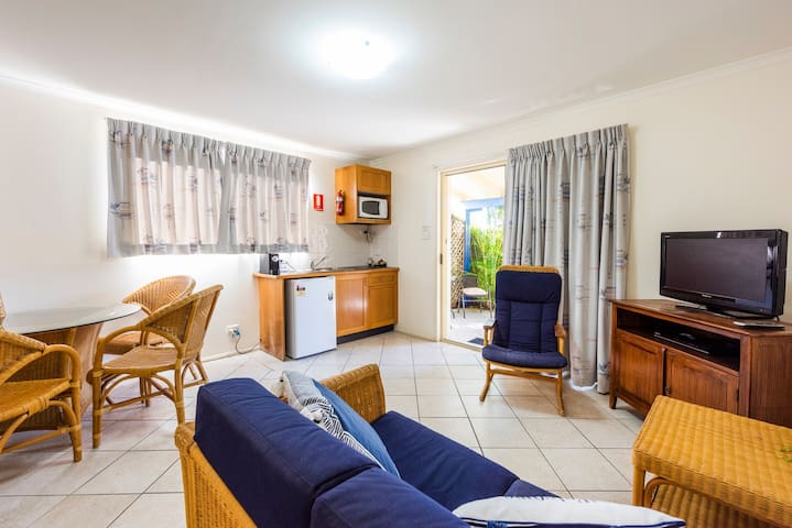 YAMBA PRIVATE COURTYARD SUITE