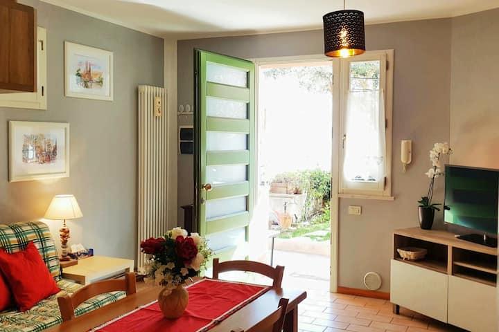 Casa con giardino e corte privata vicina al mare!