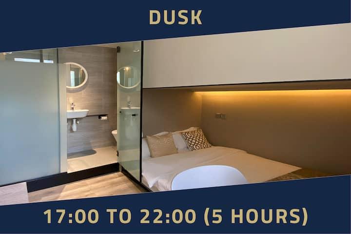 Room with Window, 5 Hours:5PM-10PM Jalan Besar MRT