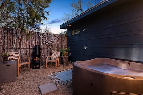 Ololo, guest house 2, private hot tub and firepit