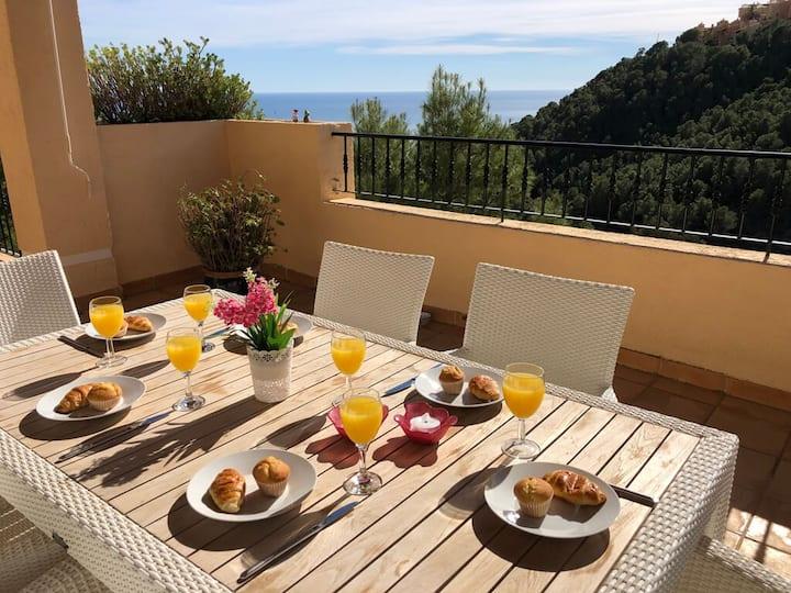 Holiday Villa Altea with 3 Bedrooms, 2 Bathrooms