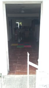 Acceso principal de la casa sin escalon