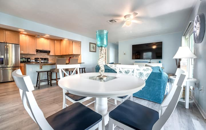 "2 bed Waterfront ""Beach House Apt at Solitude Suites, Siesta Key"