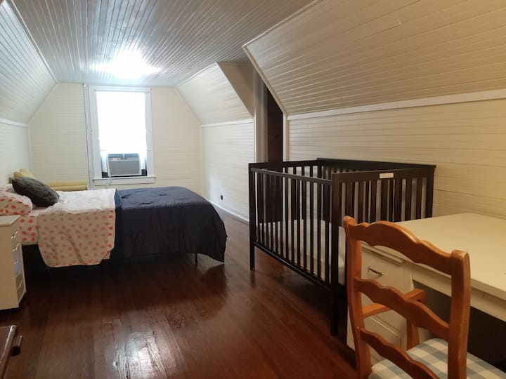 Brick House Retreat (room W)