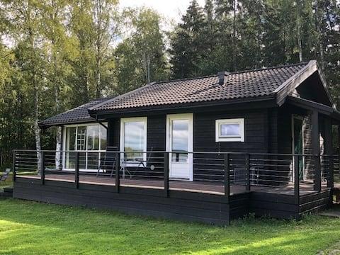 Accogliente cottage con terreno lago a Bergslagen