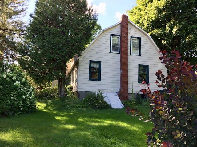Bovina Catskills farmhouse