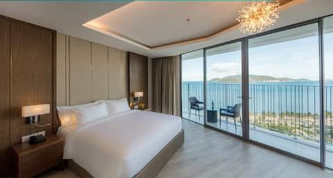 Free Pool & Gym PANORAMA - Oceanview Luxury Apt