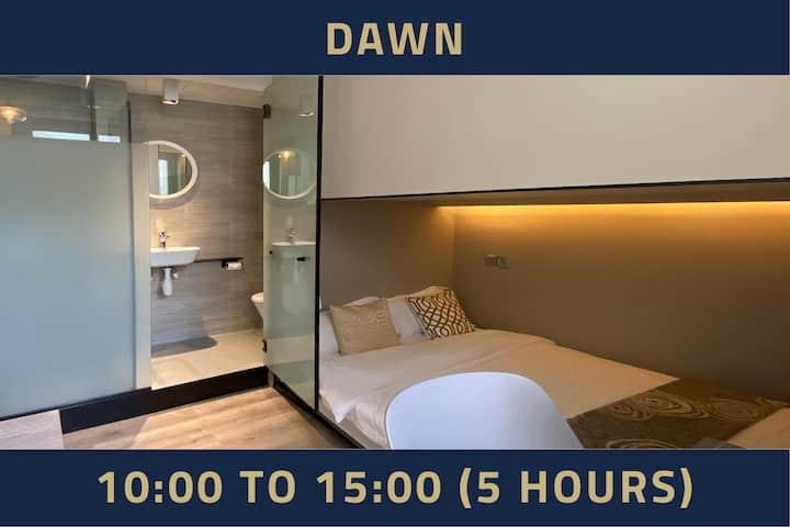 Room with Window, 5 Hours: 10AM-3PM Jalan BesarMRT