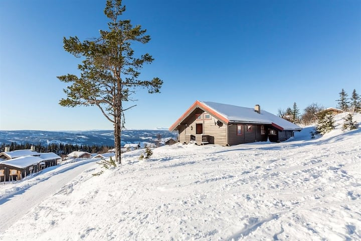 Fjellhytte med flott utsikt, Aurdal i Valdres.