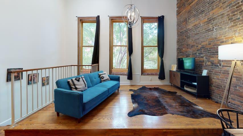 The Lofts @ 107 - The Loretta Suite