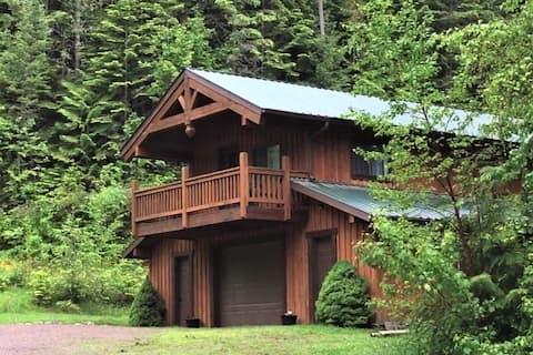 Mountain Cedars Getaway