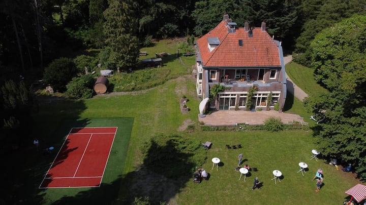 Villa Landgoed Quadenoord met bijzonder uitzicht..