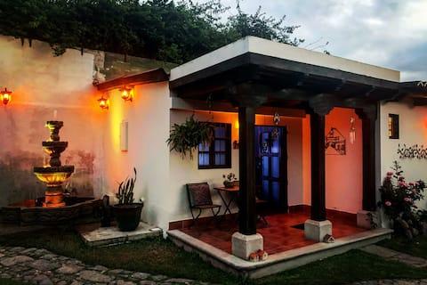 Casa La Fuente Jardin Desconocido w/Parqueo