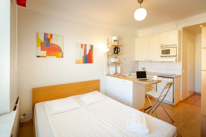Great, well-equipped studio, downtown Helsinki (9)