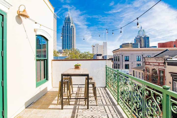 Downtown Mobile Penthouse with Balcony