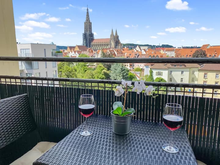 Best location - balcony to Danube and Münster view