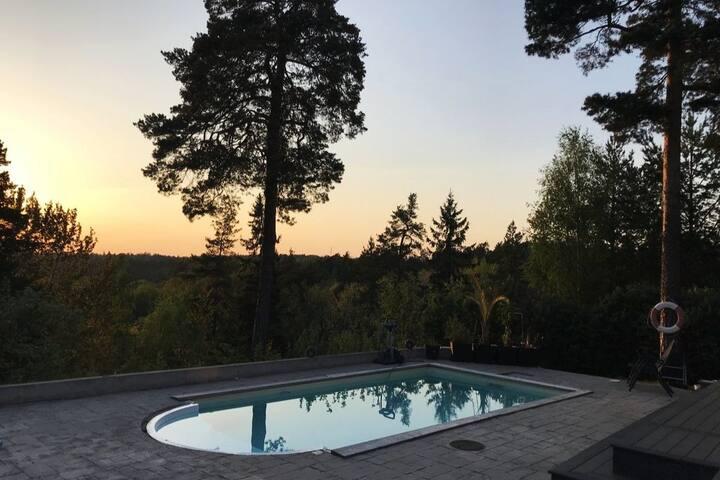 Villa - pool och granne med naturreservat -