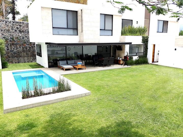 Casa GS | Moderna con Alberca | Estancias Largas
