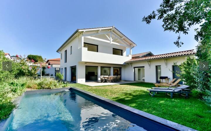 Villa neuve avec piscine - Milady/Côte des basques