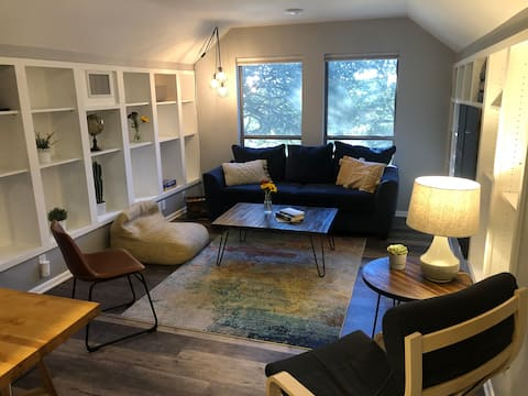 The Lofty Lime Apartment