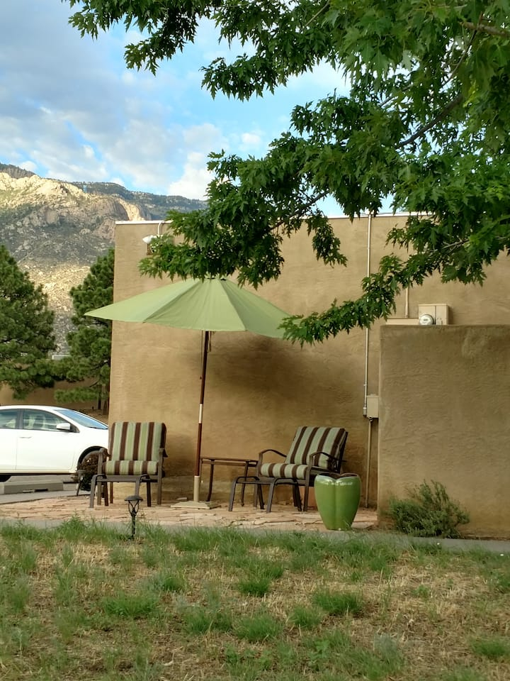*** Sandia Heights Condo with Amazing Views! ***
