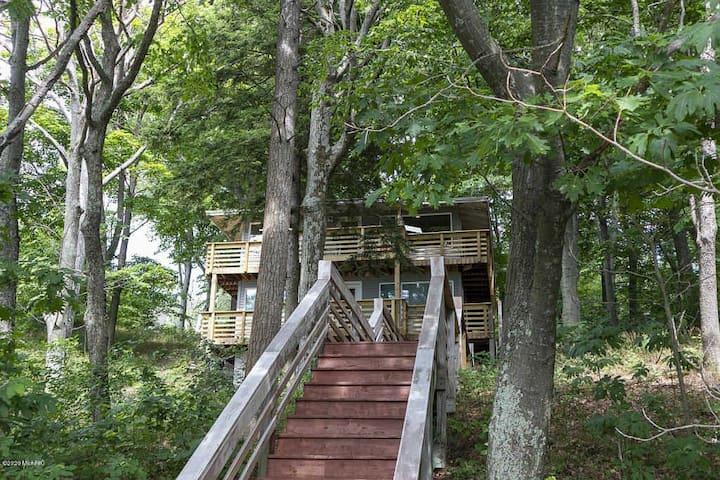 Secluded Fall Retreat-Beach, Hiking, Peace, Nature