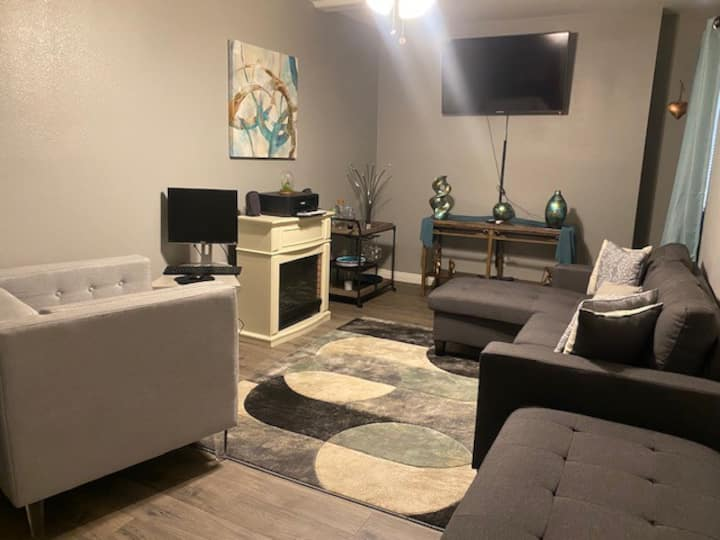Beautiful clean and cozy Las Vegas apartment/home