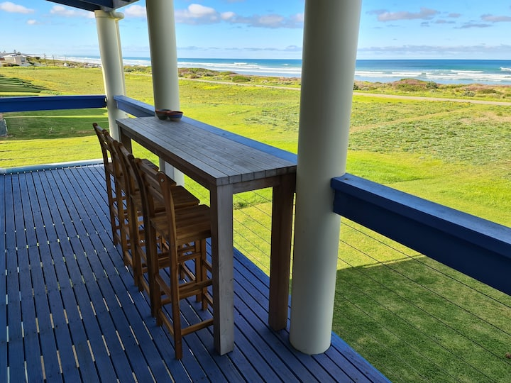 Blue Seas - Absolute Beachfront  in Middleton SA