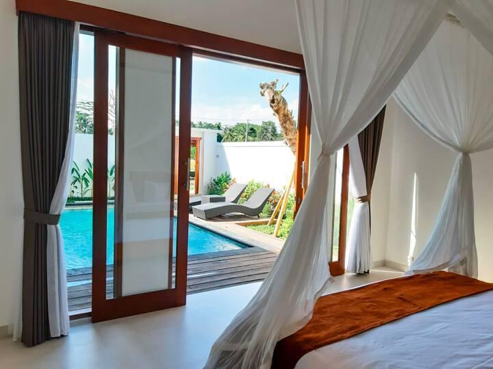 Luxury villa, entirely yours, Incredible views!