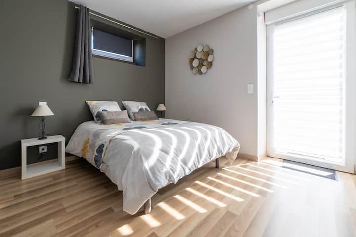 Logement tout confort chambre cuisine SDB  30m²