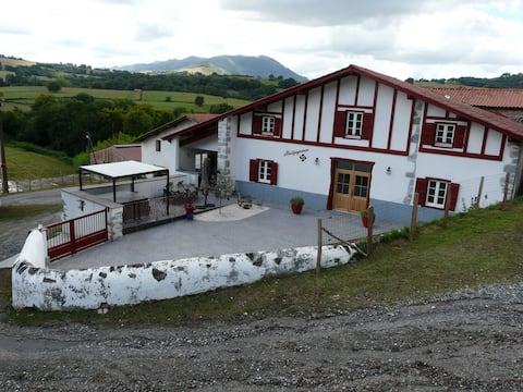 Location de charme, 4 *, au Pays Basque (avec SPA)